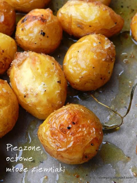 Pieczone, octowe młode ziemniaki