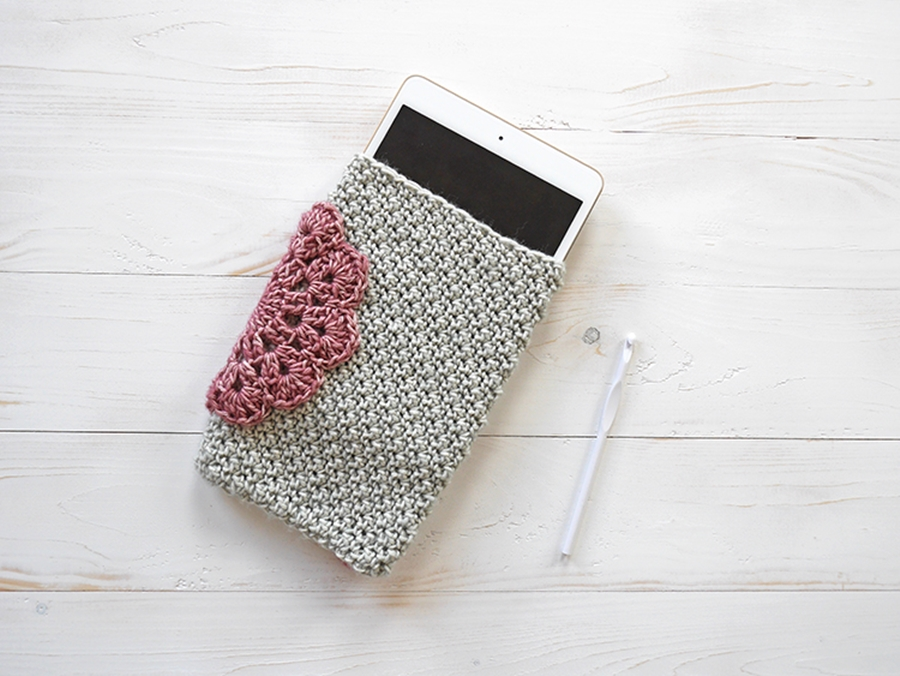 GUEST POST-CROCHET TABLET CASE WITH MALLOO