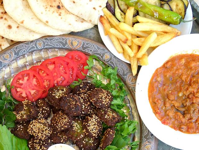 Fuul und Taameya Ägyptisches Frühstück
