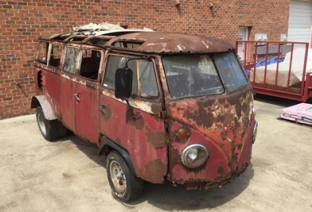Tersadai Lebih 43 Tahun, Volkswagen Microbus Ini Di Jual Dengan Harga RM 40,000