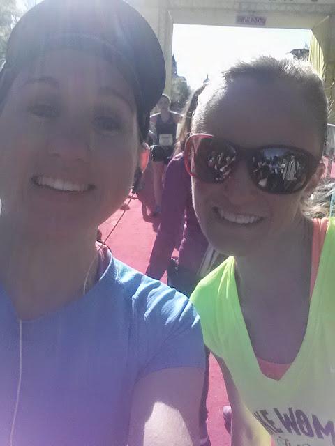 NWM-Nike-DC-Half-Marathon-2014-Shalane-Flanagan-selfie