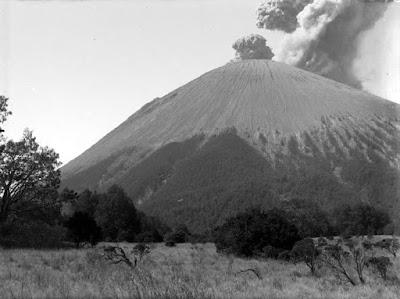 gunung semeru dari jambangan zaman dulu