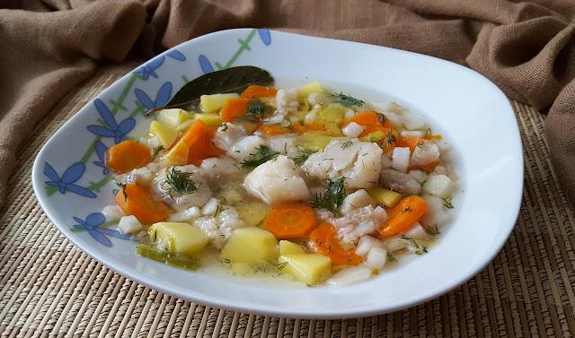 Zupa rybna na filetach z mintaja