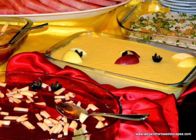 Different kinds of Arabic Desserts in Hatam
