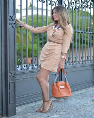 vestido corto beige de moda elegante tumblr