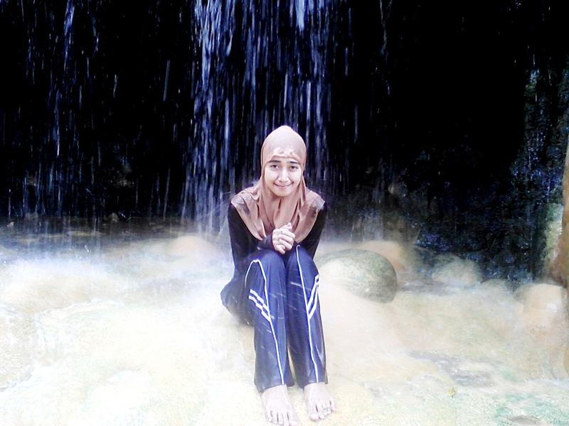 Githa Algian Yusnia Putri cewek cantik nadi basah-basahn pakai hijab