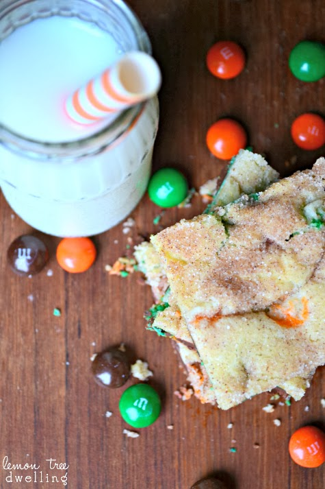 Snickerdoodle Pumpkin M&M Bars {Lemon Tree Dwelling}