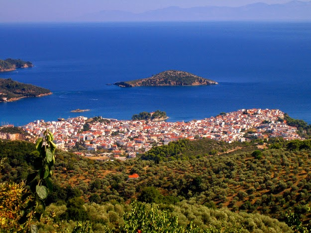 and sometimes like this… (Skiathos.) - 49 Reasons To Love Hellas (Greece)