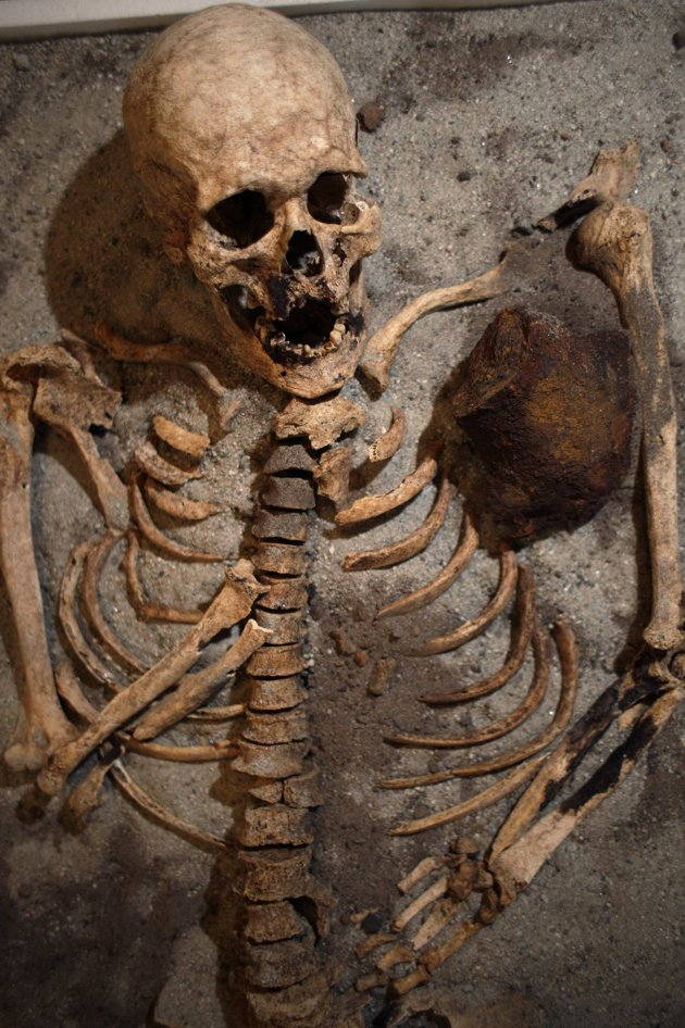 India Photo Gallery Another Vampire Skeleton Found In
