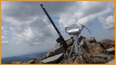 Vistas al buzón de cumbre del Pico Murcia