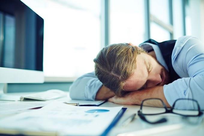 5 Manfaat Menyenangkan Tidur Siang di Kantor yang Perlu Anda Ketahui