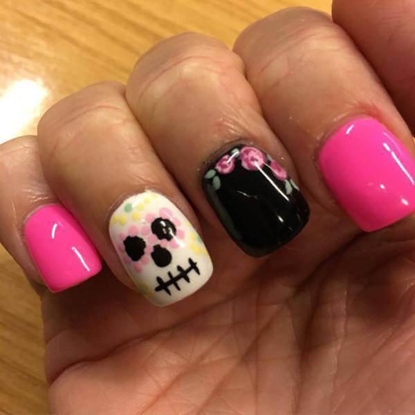 Pink Sugar Skull Nails