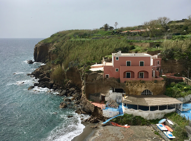Guide to the Island of Ventotene