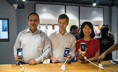 Left to right: Vikas Agarwal, General Manager, OnePlus India, Maximilian Grabmayer, CEO of B2X India and Lady Xu, Global Head of Customer Support, OnePlus