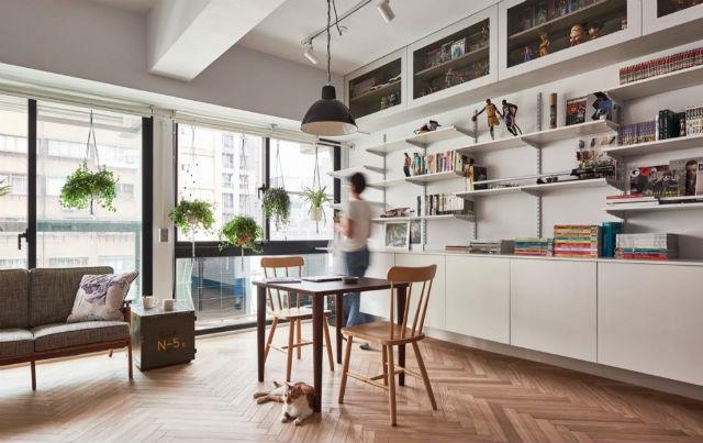 reforma piso pequeño transformado en loft, pared de almacenaje