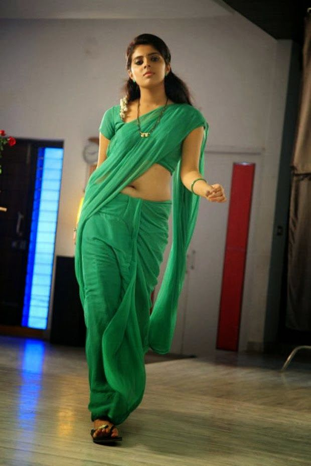 Shravya Sexy navel Pictures in Green Saree