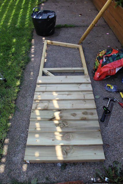 using feather edge boards on a shed