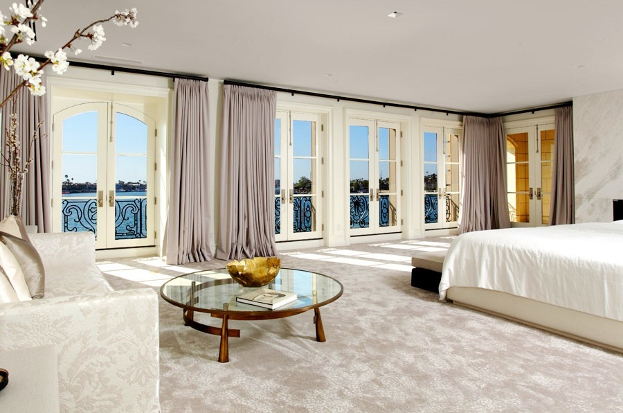 SEE THIS HOUSE: A MYSTERIOUS $43 MILLION DOLLAR NEWPORT ... on Master Bedroom Curtains  id=70412