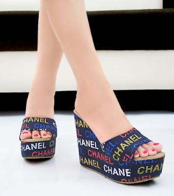 Sandal Wanita Biru
