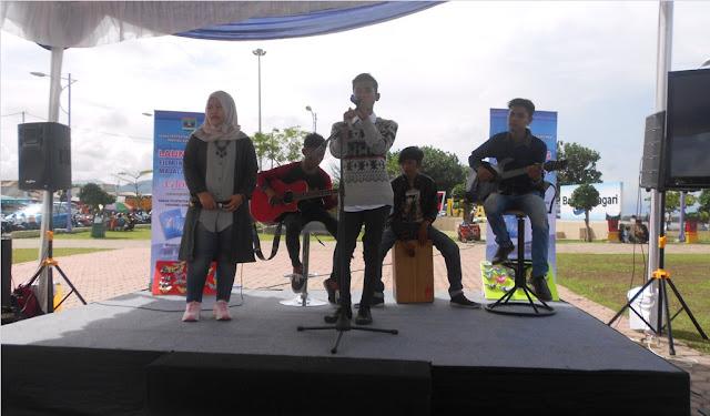 Aksi Panggung Tawmasy Band di Monumen Merpati Menuai Simpati