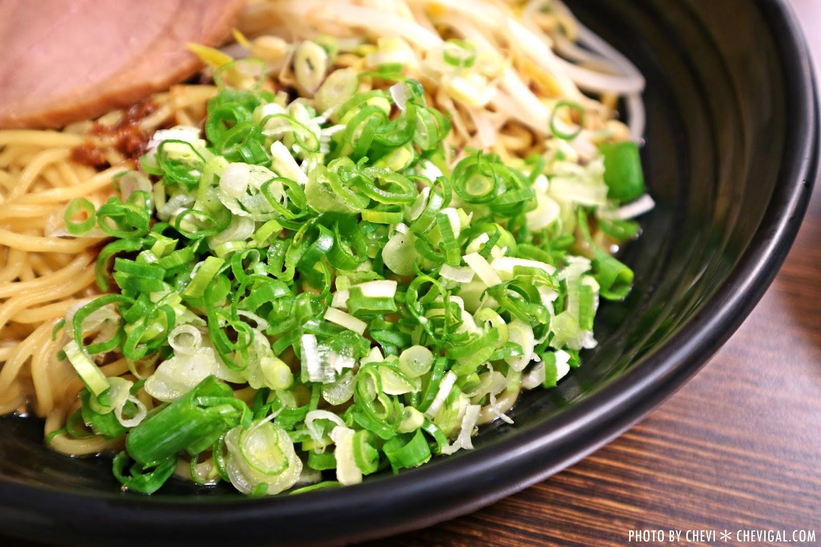 IMG 9597 - 台中烏日│東京屋台拉麵-烏日店。鵝蛋溏心蛋的巨蛋拉麵好特別。平價餐點口味還不錯