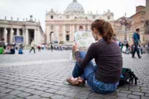 5 Keuntungan Traveling Sendirian