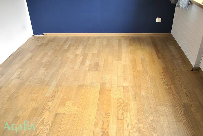 Malowanie podłogi.
