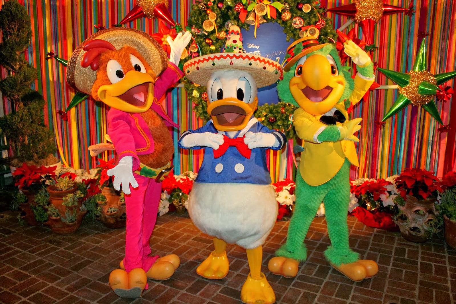 Unofficial Disney Character Hunting Guide Viva Navidad At