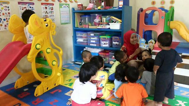 Tips Ibu Pekerja: Cara Tepat Memilih Pengasuh Atau Tempat Penitipan Anak