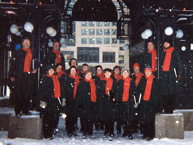 Caroling in the snow, Sparks Street Mall