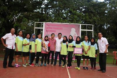 HEBAT !!! Tim Futsal Putri Farmasi Unhas Meraih Juara 2 Pada AJang Pertandingan Futsal Putri Se- Universitas Hasanuddin