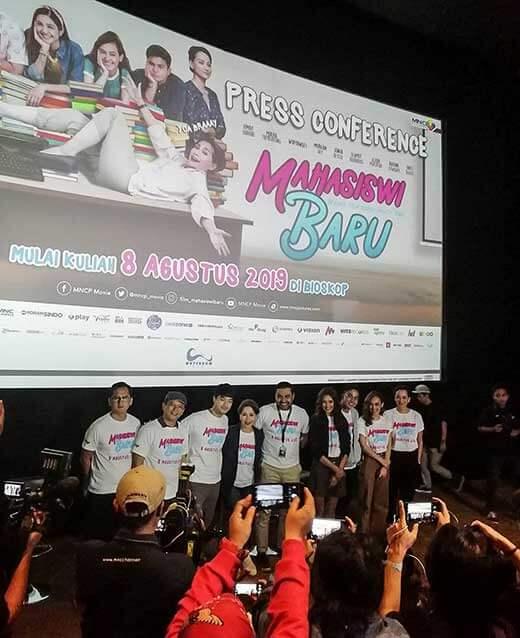 Film Mahasiswi Baru Tawarkan Genre Komedi Persabatan Keluarga Wajib Tonton