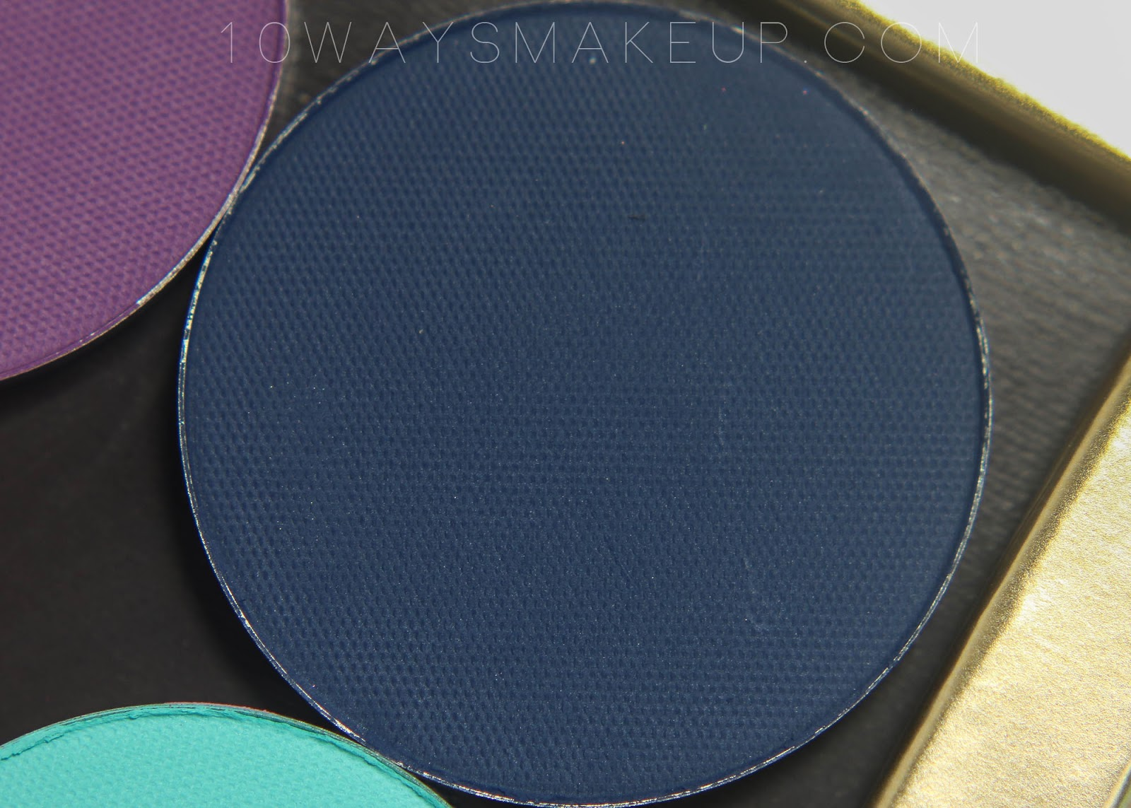 Nabla Blue Velvet swatch Freedomination