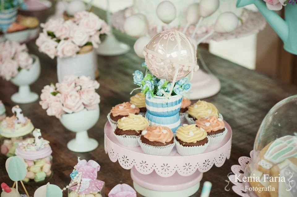 cha-noivado-inspiracao-vintage-romantica-mesa-doces