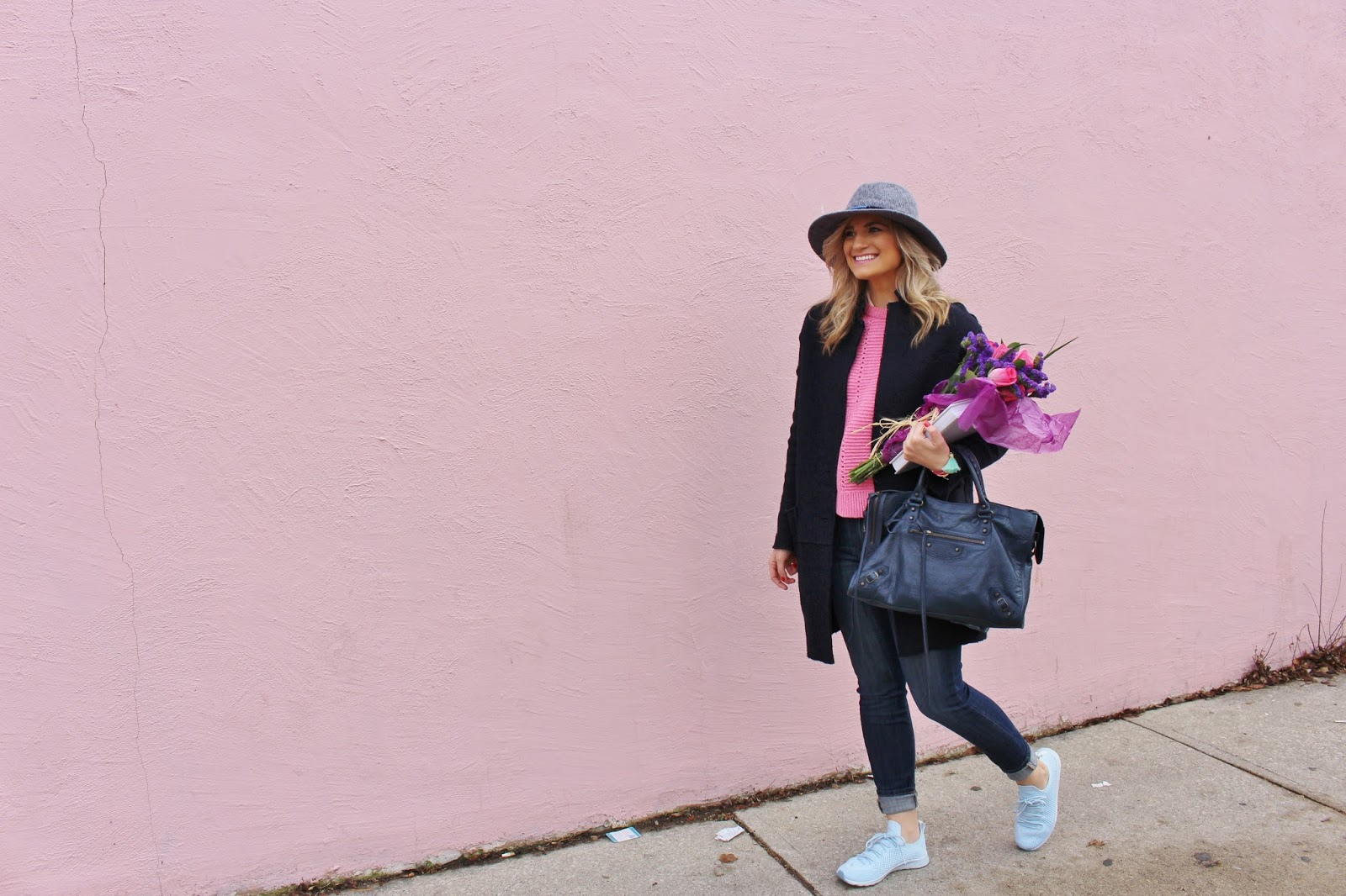 Bijuleni - Weekend Outfit look. Skinny jeans, pink wool sweater, duster navy coat, Balenciaga Town Bag and Native Shoes