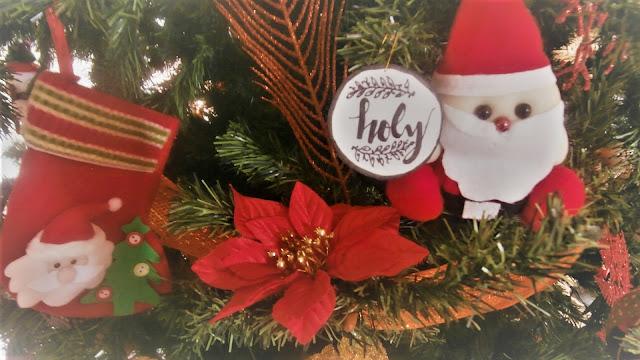 Ornamentos en foami para el árbol de navidad