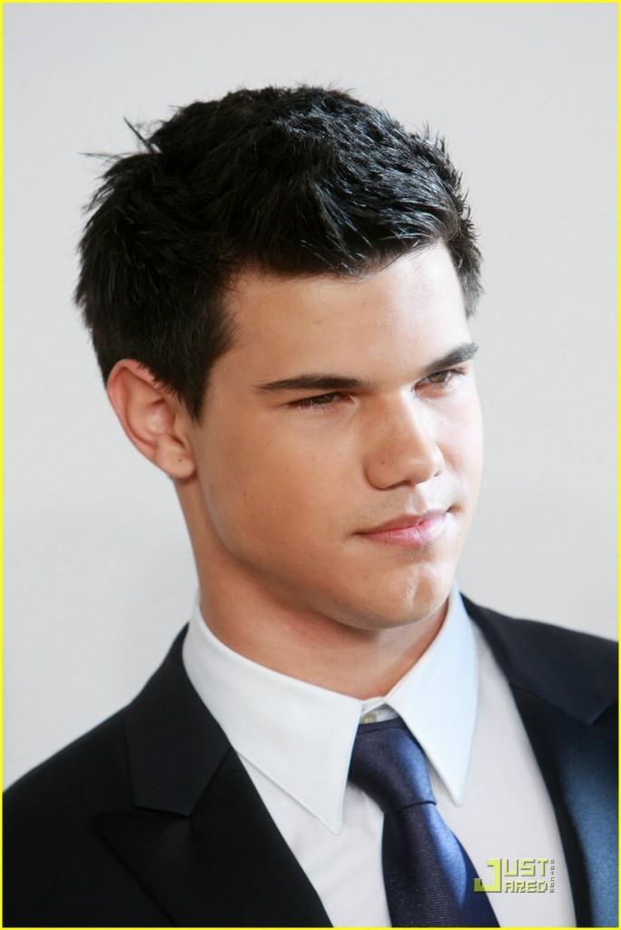 Taylor Lautner Biography
