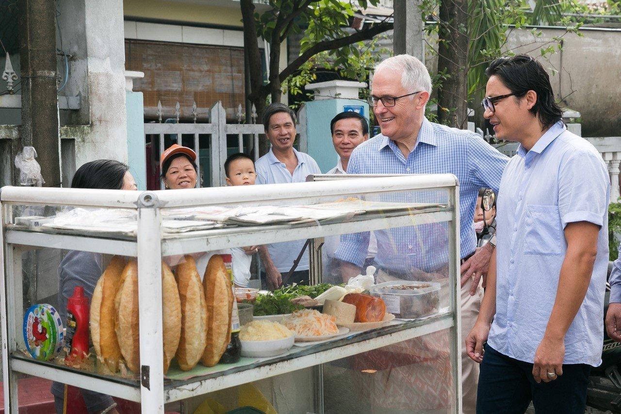 Thủ tướng Australia - ông Malcom Turnbull từng thưởng thức và cực kì yêu thích món bánh mì Việt Nam.