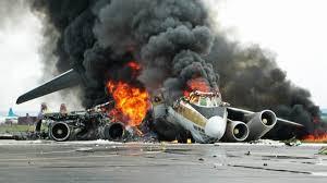 عاجل انفجار إطار طائرة شركة بترول بمطار القاهرة يثير ذعر الركاب