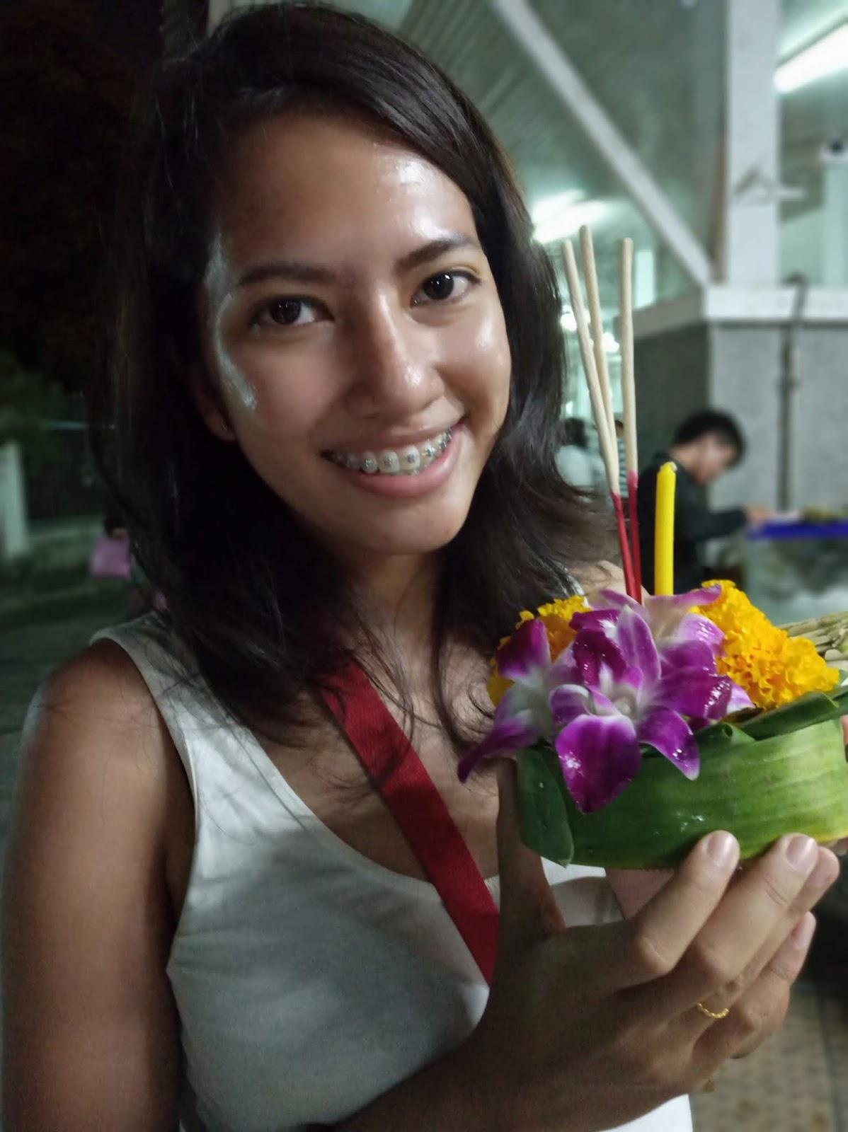 Celebrating Loy Krathong at Asiatique Bangkok Thailand | Ummi Goes Where?