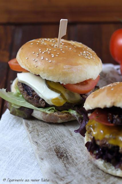 Experimente aus meiner Küche: Mozzarella-Cheeseburger {Burger Time}