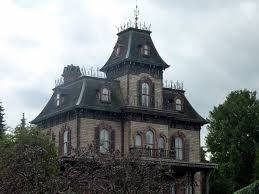 H-family-haunted-house-image