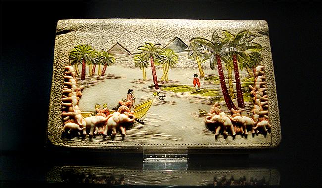tassenmuseum hendrikje, museum of bags amsterdam, egyptian clutch