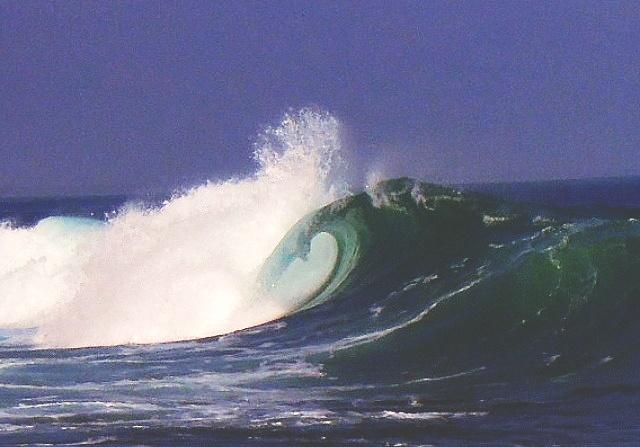 Big waves in Baler
