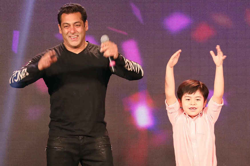 Salman Khan and Matin Rey Tangu at 'Tubelight ki Night' Event Stills