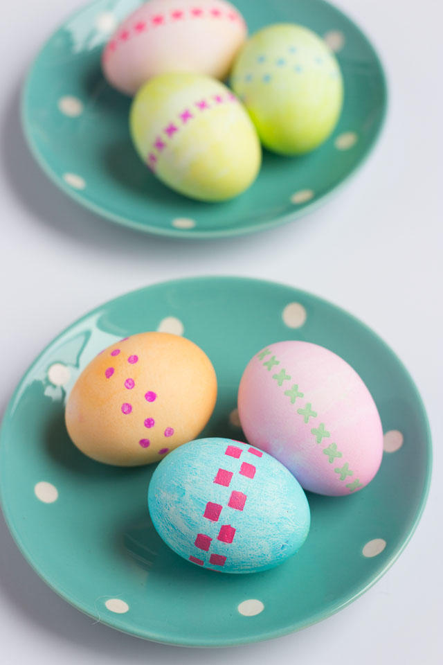 How to stencil Easter eggs