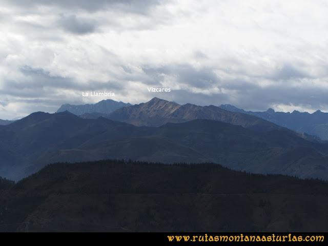 Ruta Torazo, Pico Incos: Indice Vista del Vízcares y la Llambria desde el Incos