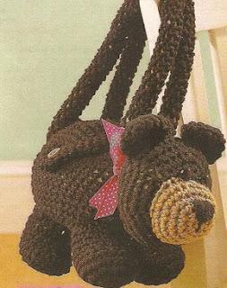 http://patrones-asgaya.blogspot.com.es/2013/04/bolso-osito-crochet.html