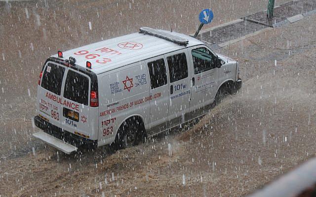 Puncak Badai Terburuk; Angin 100 Kilometer Per Jam Hantam Israel