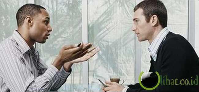 Miliki Keahlian Berkomunikasi